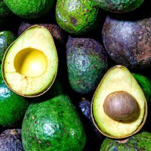 cassa di avocado siciliani